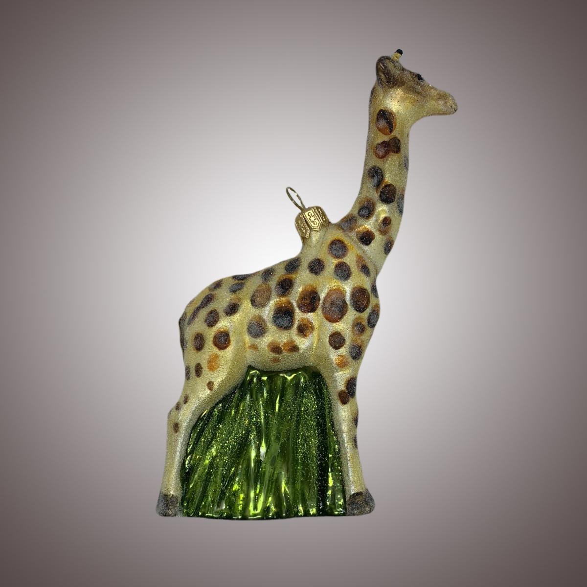 Жираф реалистичный